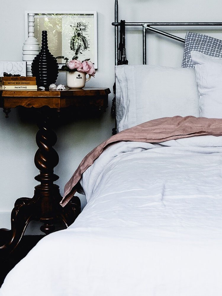 Beautiful linen bedlinen via perfectly imperfect living