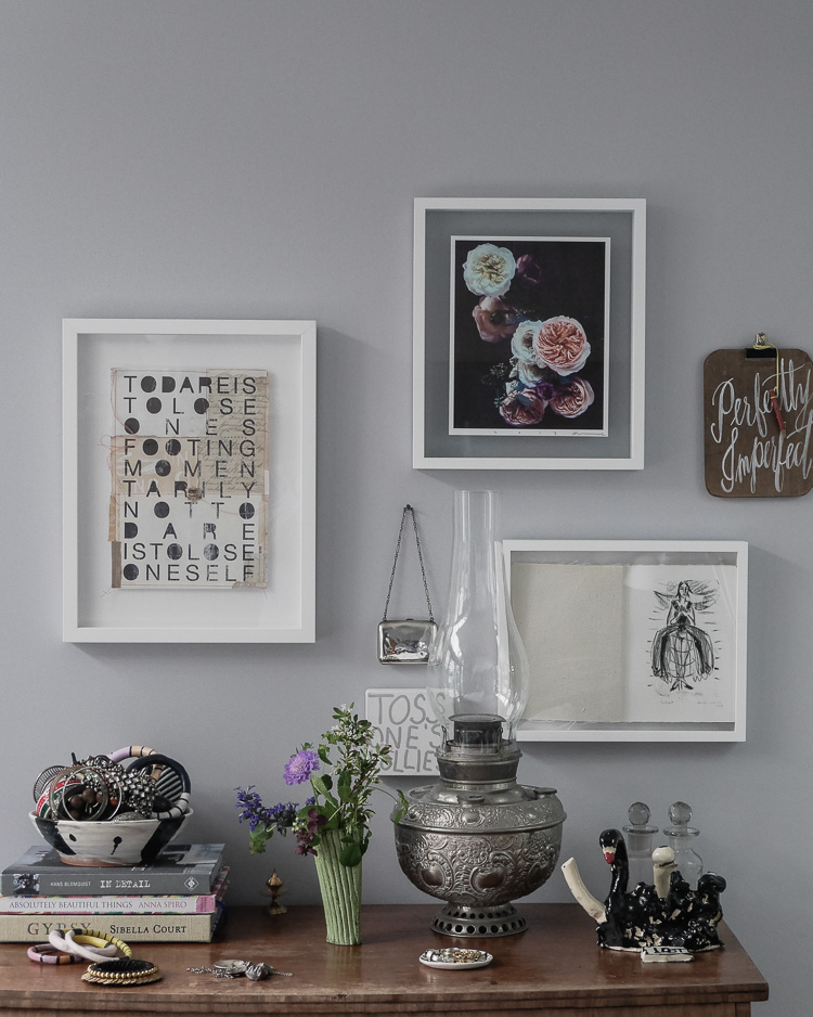 mixed salon hang art wall via perfectly imperfect living